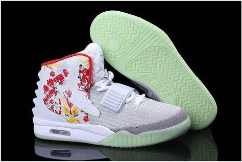 COMPAIRSON REVIEW YEEZY BOOST 350 V2 UV LIGHT ZEBRA   Martha Sneakers    Kanye Yeezy(Coupon Code: Martha)   Pinterest   Yeezy