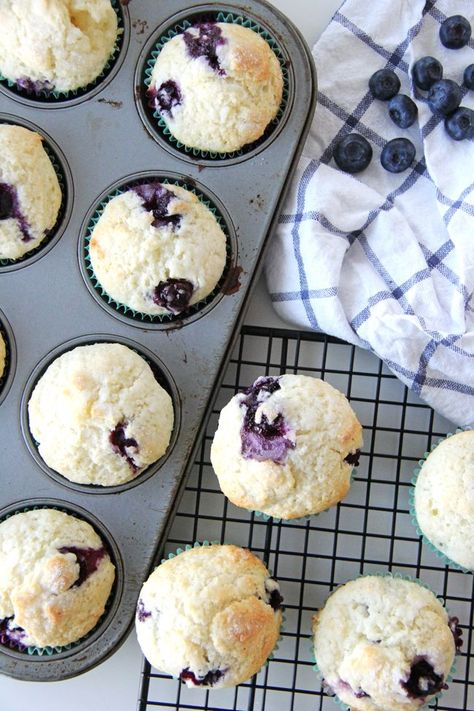 These Blueberry Buttermilk Muffins Are So Delicious Sweet Soft And Loaded With Blueberries In 2020 Buttermilk Blueberry Muffins Buttermilk Muffins Muffins