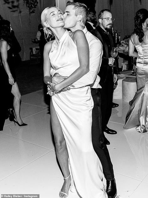 Hailey Baldwin rings in Justin Bieber's birthday with romantic photos of them Justin Bieber, Hailey Baldwin, Hailey Bieber Wedding, Birthday Surprise For Husband, Fancy Wedding Dresses, Justin Hailey, Santorini Wedding, Wedding Mood Board, Romantic Photos