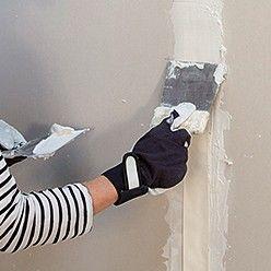 Pose De Plaques Isolantes En Polystyrene Graphite Plaque Isolante Habiller Un Mur Isolation Mur