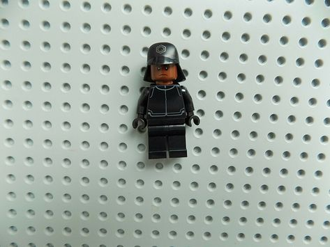 LEGO Star Wars First Order Crew Member Minifigure 75132