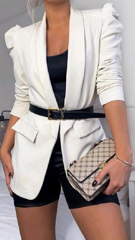 blazer elegante burguesa outfits empresária look ceo moda branco preto Black roupas fashion style