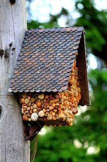 Haz Una Linda Casita De Piedras Con Botellas De Plástico Recicladas Belleza Y Peinados Casas Para Pajaros Casas De Aves Diy Casa De Pajaros