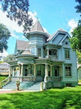 Victorian House Iowa 30 Pieces In 2020 Old Victorian Homes Victorian Homes Victorian Style Homes