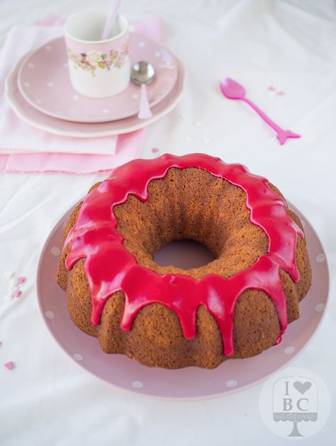 Bundt cake de limonada rosa