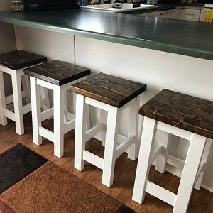 Love these built to order and custom finished Kitchen bar stools Pallet Bar Stools, Rustic Bar Stools, Diy Bar Stools, Farmhouse Stools, Outdoor Bar Stools, Counter Height Bar Stools, Diy Stool, Wood Stool, Best Bar Stools