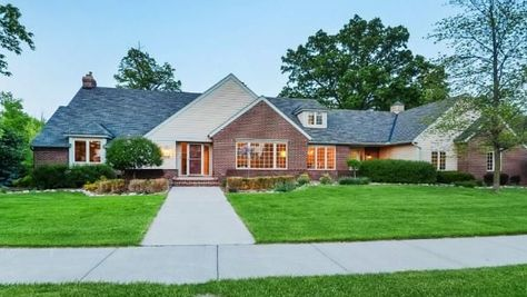 Jesse Ventura's former Maple Grove home listed for $720K (Photos) - Minneapolis / St. Paul Business Journal