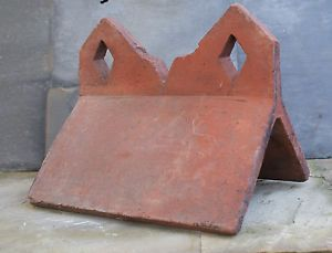 Reclaimed Red Crested Roof Ridge Tile 12 034 Clay Angled Diamond Build Roofing Rg6 Ridge Tiles Roofing Roof