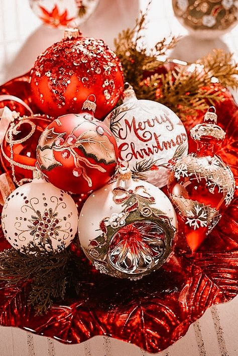 Christmas Presets Mobile Presets Bright Holiday Presets XMAS presets Winter Presets Warm Presets New Year Presets Rich Vibrant Presets