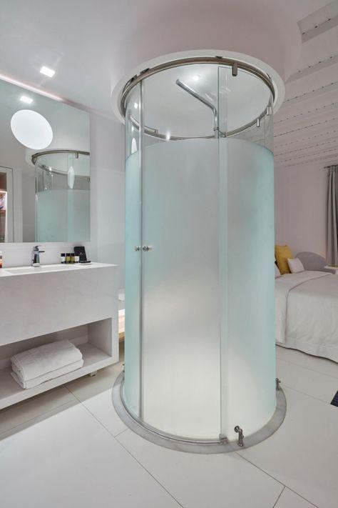 runde Duschkabine neben dem Bett im Schlafzimmer integriert Bad - schiebetür für badezimmer