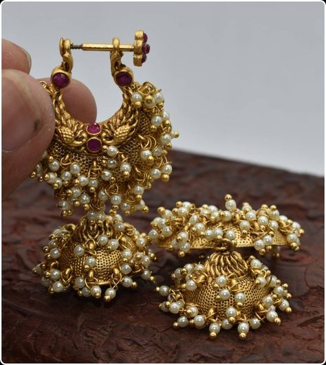 Beautiful traditional southindian makarkunal in gold finish with beautiful pearls work