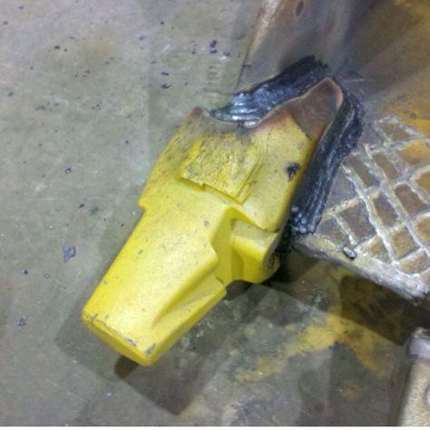 Bucket shank repair