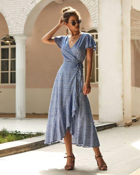 Mode Cool, Blue Dresses, Long Casual Dresses, Midi Dresses, Wrap Dresses, Wrap Dress Outfit, Vintage Summer Dresses, Maxi Wrap Dress, Long Floral Dresses