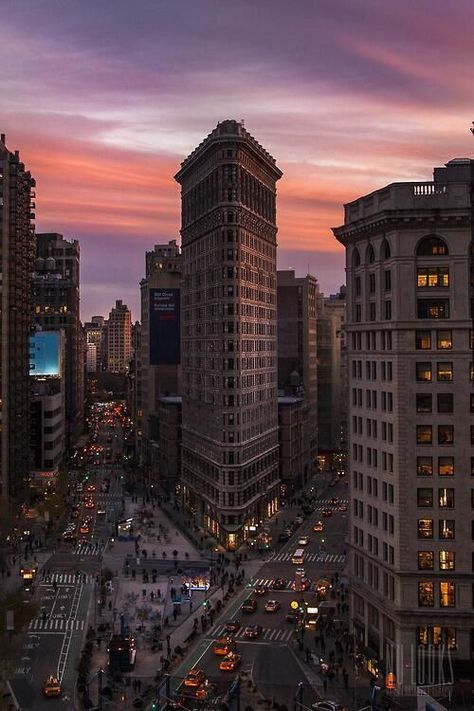 The Best Photos and Videos of New York City flatiron building by newyorkculture Flatiron Building, Chrysler Building, City Aesthetic, Travel Aesthetic, Photographie New York, Couple Travel, Voyage New York, New York City Travel, City Wallpaper