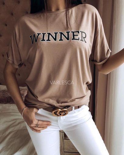bcd1cb3ef6a Дамска тениска в бежов цвят. С къси ръкави и обло деколте. Свободна линия.