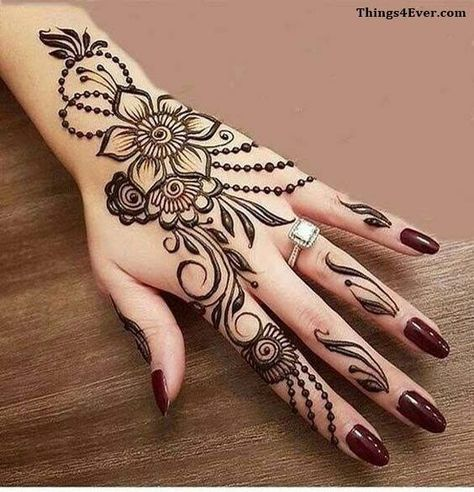 20 Simple Mehndi Design Ideas To Save For Weddings And Other Occasions Henna Tattoo Hand Henna Tattoo Designs Engagement Mehndi Designs