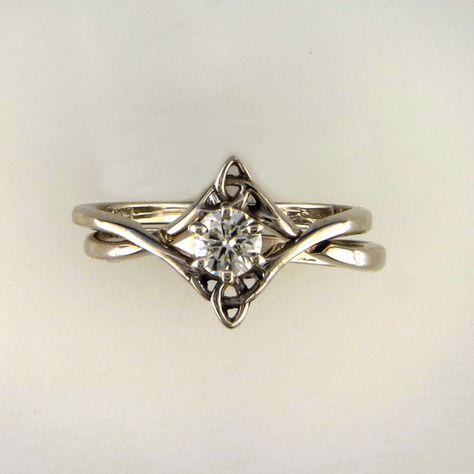Interlocking Wedding Set With Diamond Celtic Wedding Ring Sets Celtic Wedding Rings Wedding Ring Sets