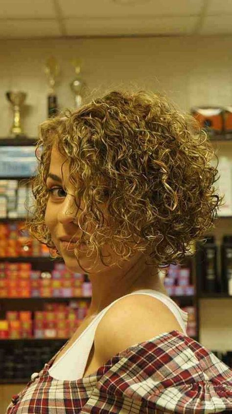40 most amazing curly short hairstyles for women to try in 2019 36 – JANDAJOSS.ME