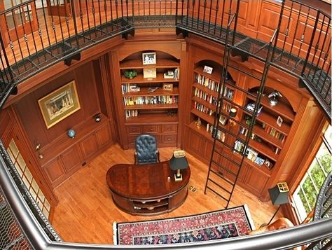 Traditional Custom Home Library - I would love this! #dreamlibrary