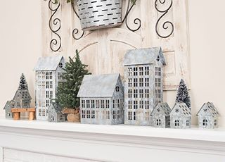 7 Things You Should Do When You Decorate Your Home Farmhouse Christmas Decor Winter Fireplace Decor Farmhouse Christmas