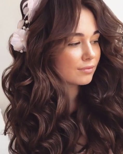 Do you wanna learn how to styling your own hair? Well, just visit our web site to seeing more amazing video tutorials! #hairtutorial #braidtutorials #hairvideo #videotutorial #updotutorial #updoideas #weddinghair #bridalhair #Updostutorials