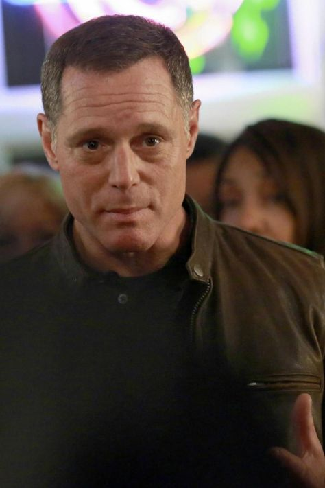 Jason Beghe as Hank Voight on 'Chicago P.D.  This article explains the change in his voice and why it sounds the way it does now.