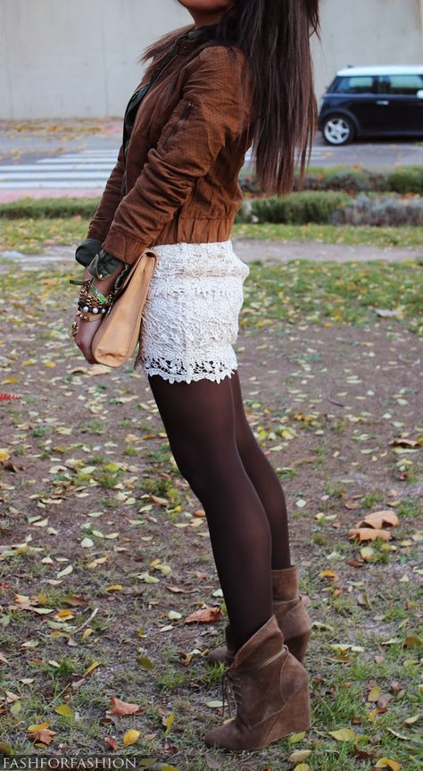 cute way to transition a white lace skirt to fall/winter! would cute with scalloped lace shorts too! Mode Outfits, Fashion Outfits, Womens Fashion, Fashion Trends, Short Outfits, Fall Winter Outfits, Autumn Winter Fashion, White Lace Skirt, Lace Dress