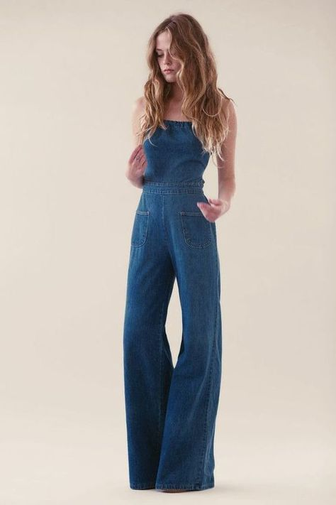 What to wear with jeans jumpsuit best outfits - Fashion Trends 2019 Looks Style, Style Me, Jeans Trend, Salopette Jeans, Look Fashion, Womens Fashion, Retro Style Fashion, 70s Vintage Fashion, 60s And 70s Fashion