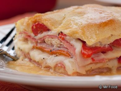 Italian Layer Bake - Now here's a creative way to put your refrigerated crescent rolls to use! Feel free to substitute the meats and cheese with your favorite combination to make this layered casserole a hit with your family. #casserole #dinner