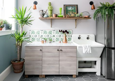 Sink In - A Designer's Home That Takes Wallpaper To The Next Level - Photos