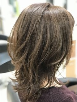 ミディアム 大人可愛い ひし形ウルフレイヤー Afloat Japanの髪型