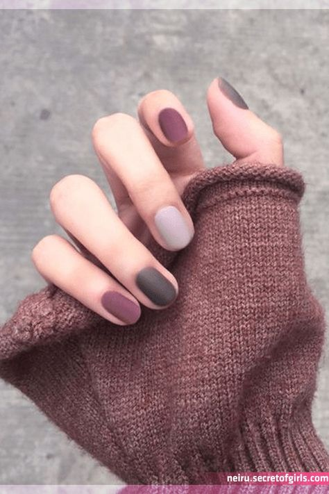Gorgeous 50 Popular Nail Colors Ideas This Fall To Try Asap in 2020 | Nail colors, Popular nail colors, Minimalist nails    Gorgeous 50 Popular Nail Colors Ideas This Fall To Try Asap in 2020 | Nail colors, Popular nail colors, Minimalist nails