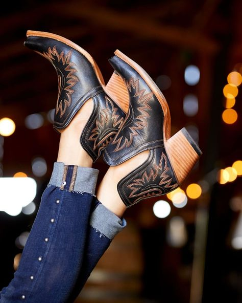 Find the latest styles in cowboy boots, western attire, cowgirl boots and cowboy boots for women. Check out our huge selection from brands like Ariat, Justin and more today! Cute Shoes, On Shoes, Me Too Shoes, Shoe Boots, Ankle Cowboy Boots, Black Ankle Boots, Riding Boots, Western Wear, Western Boots