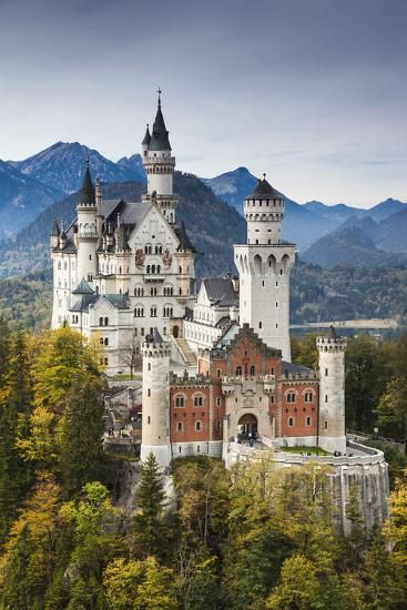 Beautiful Castles, Beautiful Buildings, Real Castles, Famous Castles, Midevil Castle, Zell Am See, Places To Visit, The Places Youll Go, Germany Castles