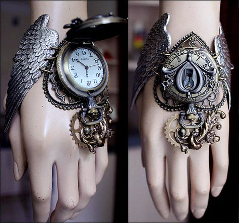 Winged watch cuff by pinkabsinthe on Etsy Moda Steampunk, Steampunk Fashion, Steampunk Cosplay, Steampunk Accessories, Jewelry Accessories, Magical Jewelry, Unique Jewelry, Bijoux Harry Potter, Kleidung Design