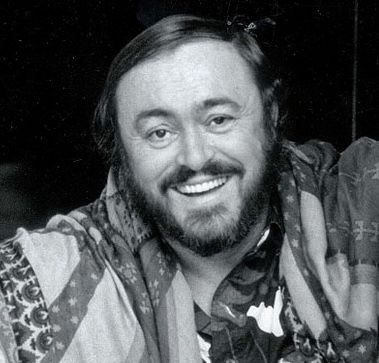 Pin By Anna Kp On Luciano Pavarotti King Of The High C S Learn Music Historical Figures Che Guevara