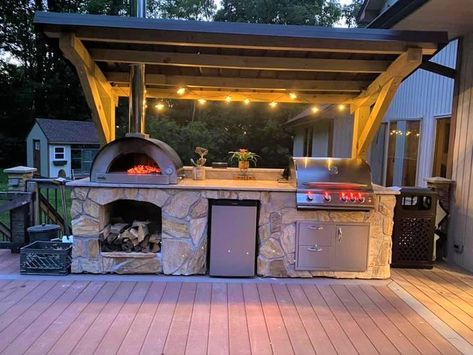 Outdoor Kitchen Grill, Patio Grill, Pizza Oven Outdoor, Backyard Kitchen, Outdoor Kitchen Design, Modern Outdoor Pizza Ovens, Pizza Oven Outside, Outdoor Bar And Grill, Brick Oven Outdoor