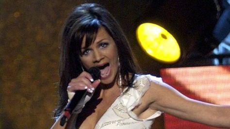 Melodifestivalen 2004 Latar Programledare Det Gor Ont