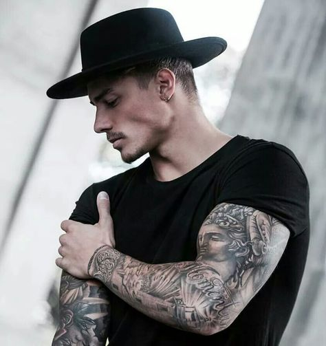12 Useful Tips about Men's Fashion – Designer Fashion Tips Johnny Edlind, Inked Men, Boy Tattoos, Tattoos For Guys, Leather Front Pocket Wallet, Tumblr Boys, Business Fashion, Business Style, Haircuts For Men