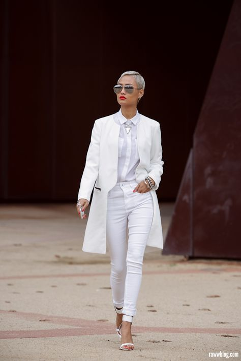 i love all white outfits