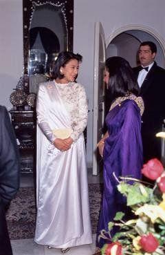 饗宴 の 儀 ドレス