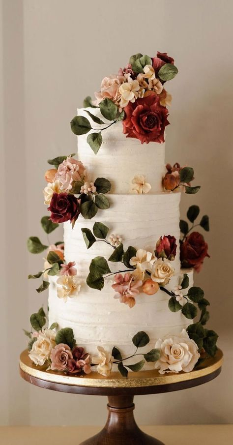 32 Jaw-Dropping Pretty Wedding Cake Ideas 32 Jaw-Dropping Pretty Wedding Cake Ideas <br> A delicious cake is the sweetest ending to a perfect wedding celebration. If you're looking for wedding cake inspiration, browsing through wedding cake pictures. Pretty Wedding Cakes, Wedding Cake Rustic, Fall Wedding Cakes, Beautiful Wedding Cakes, Wedding Cake Designs, Wedding Themes, Beautiful Cakes, Perfect Wedding, Wedding Colors