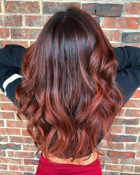 long auburn balayage hair looks Brown Hair Red Balayage, Balayage Hair Brunette Caramel, Red Highlights In Brown Hair, Auburn Balayage, Bright Red Hair, Reddish Brown Hair, Ombre Hair Color, Peekaboo Highlights, Burgundy Hair