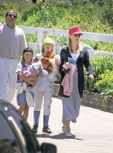 Meryl Streep, Husband Donald Gummer, and Daughters Mary Gummer, and Gracie Gummer (Photo by Ron Galella/WireImage)