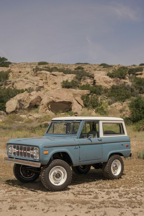 Vintage Trucks Icon Launches Classic Bronco Old School Series Classic Bronco, Classic Ford Broncos, Classic Trucks, Classic Cars, Chevy Classic, Chevy Trucks, Pickup Trucks, Toyota Trucks, Lifted Trucks