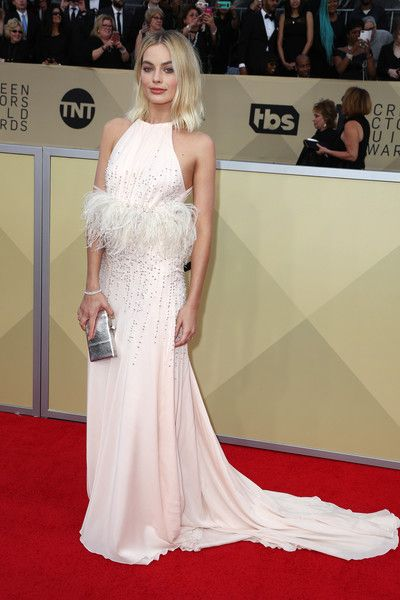 Actor Margot Robbie attends the 24th Annual Screen Actors Guild Awards.