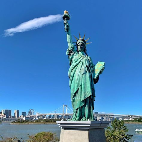 Yup Lady Liberty Is In Japan Back In 1998 A Replica Was Temporarily Placed In Odaiba To Celebrate Japan S T In 2021 Lady Liberty Statue Statue Of Liberty