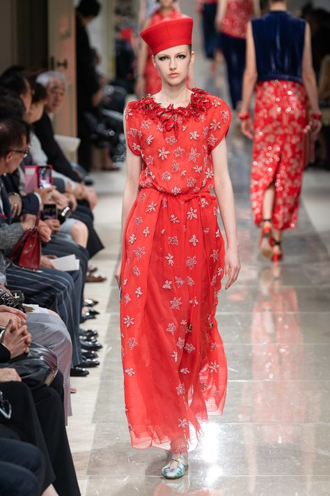Giorgio Armani Resort 2020 Collection - Vogue ✫♦๏💟☘‿TU Aug ‿❀🎄✫🍃🌹🍃❁`✿~⊱✿ღ~❥༺✿༻♛༺♡⊰~♥⛩ ⚘☮️❋