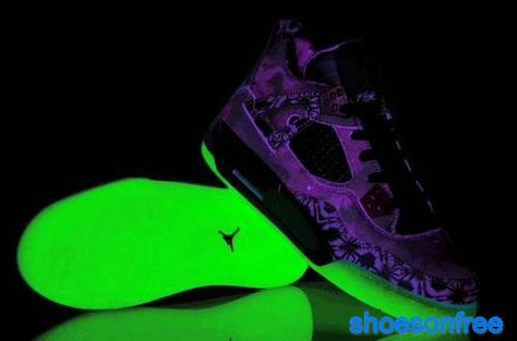 new product 4b2de 43000 retro 5 glow in the dark on sale   Air Jordan 4 Retro Glow In The Dark  Purple Galaxy Womens Sneakers