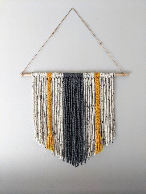 Yarn Wall Art, Diy Wall Art, Stick Wall Art, Crochet Wall Art, Feather Wall Art, Diy Art, Macrame Wall Hanging Diy, Weaving Wall Hanging, Hanging Fabric On Walls